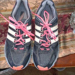 Sz 10 Addias running shoes